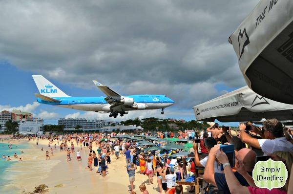 747 Incoming St Maarten