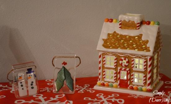 Gingerbread House Decor