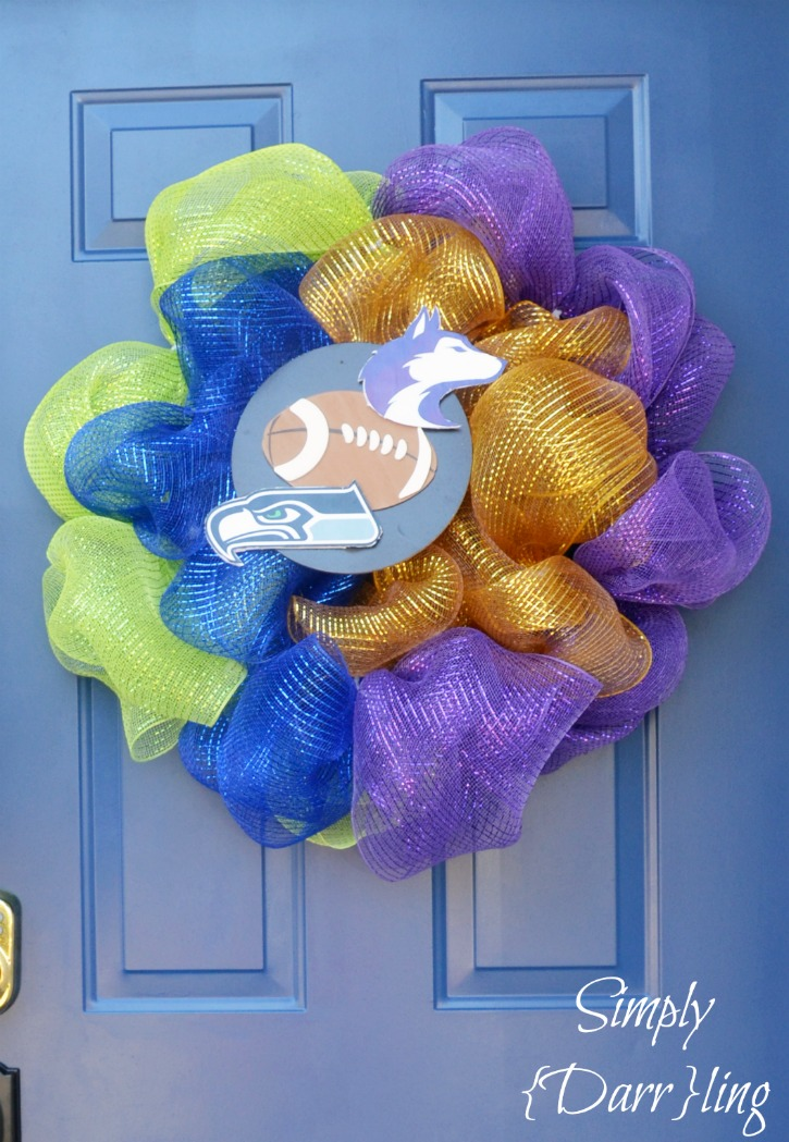 Seahawks Huskies Wreath