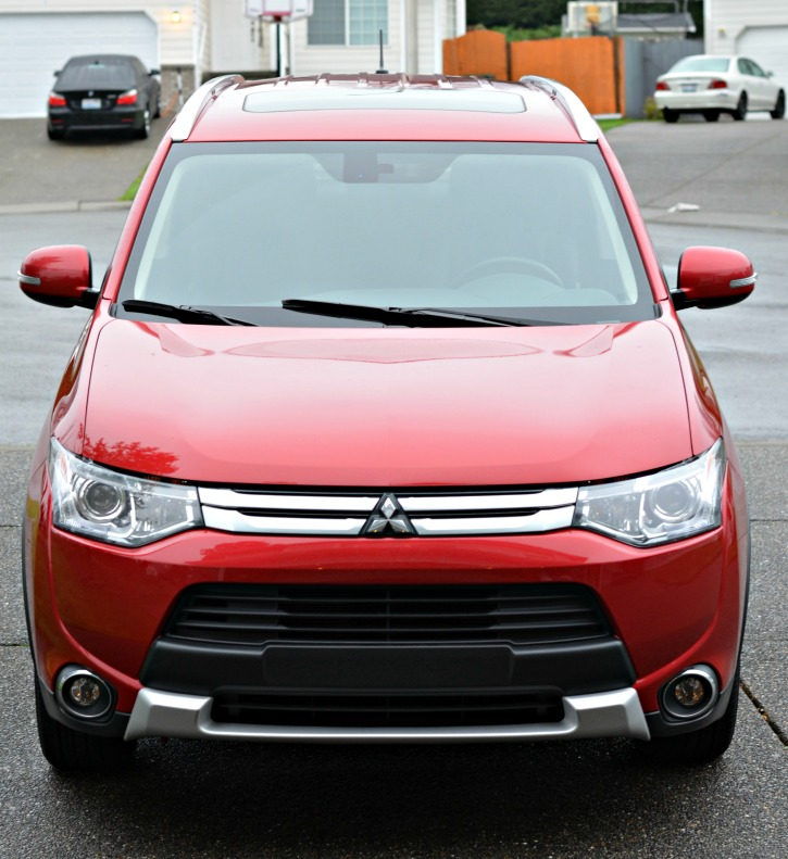 Mitsubishi Outlander Front