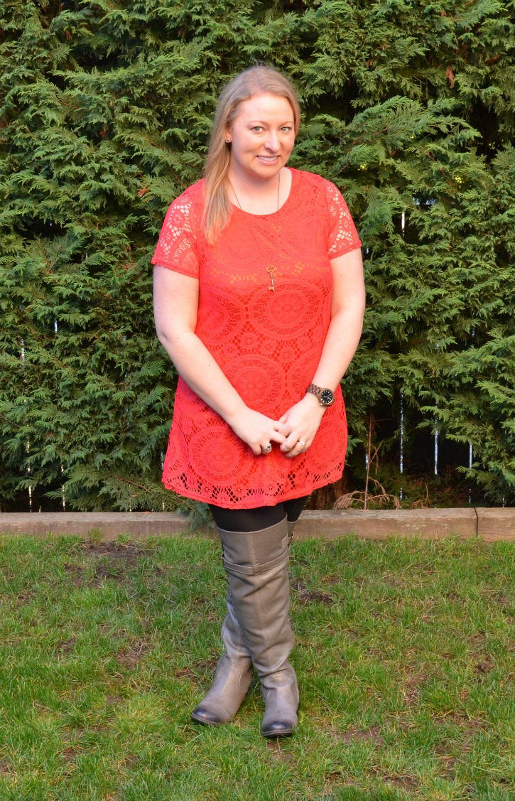 Outfit with leggings, Tunic and JORD Watch