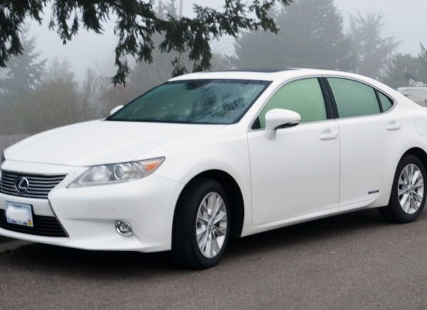 The Super Awesome Lexus ES Hybrid