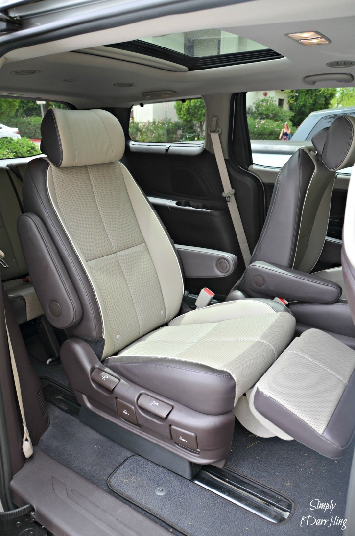 Kia Sedona Rear Seat Footrests