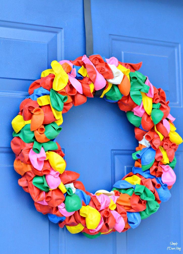 A fun and happy summer balloon wreath.