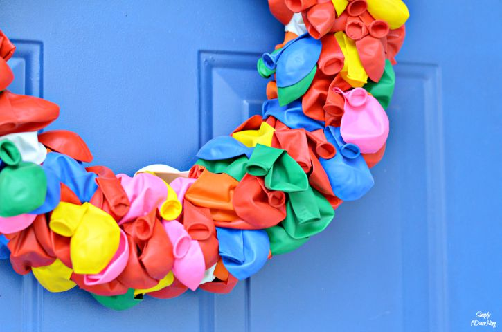 Balloons for a fun and happy summer wreath