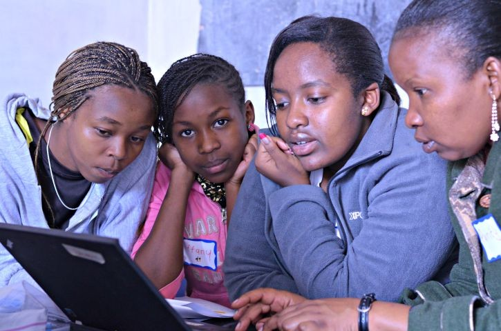 Intel She Will Connect Students on Learning Platform