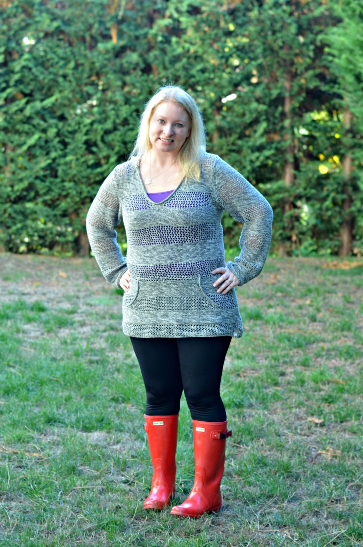 Fall Outfit with leggings and Red Hunter Rainboots