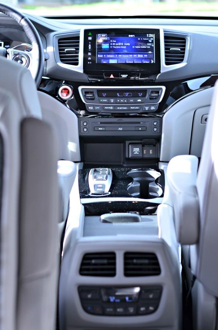 2016 Honda Pilot Elite Center Console