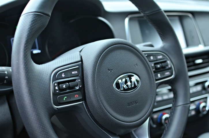 2016-kia-optima-steering-wheel