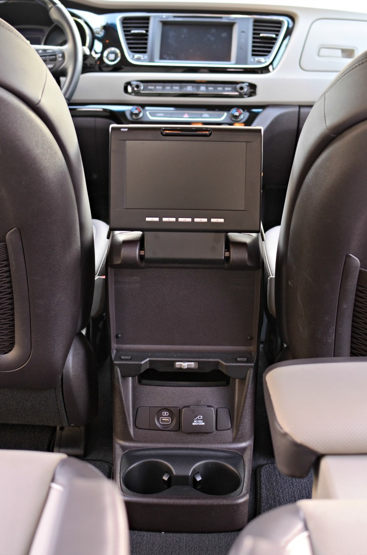 2016 Kia Sedona Simply Darrling Seats Review