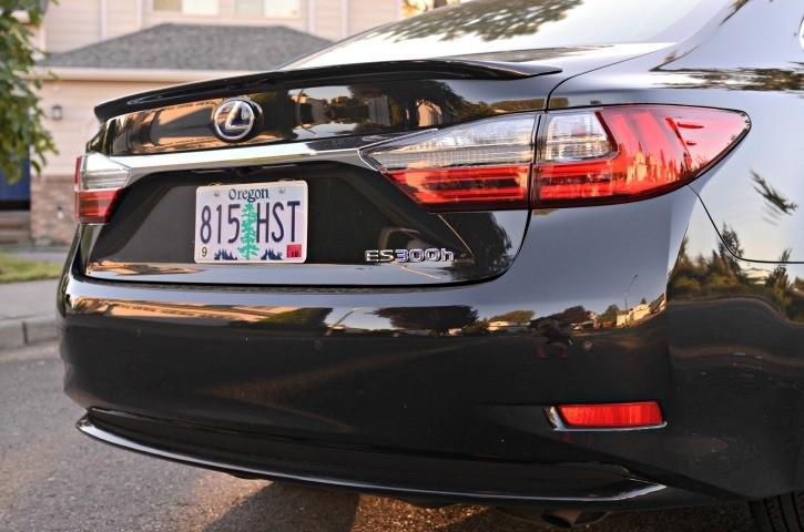 2016 Lexus ES300h Hybrid