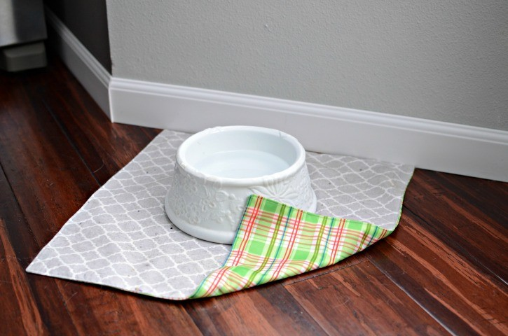 DIY Pet Water Dish Mat