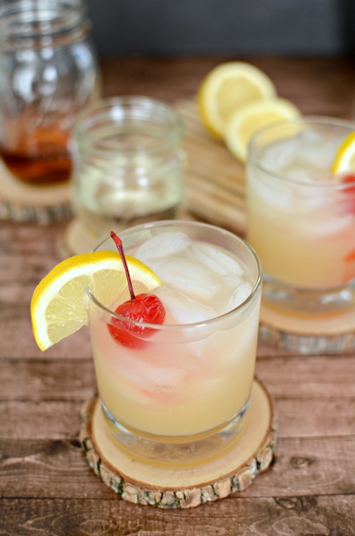A Classic Whiskey Sour Cocktail - Simply {Darr}ling