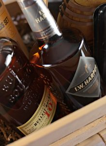 Super Holiday Gift Guide – Gifts For Whiskey Lovers
