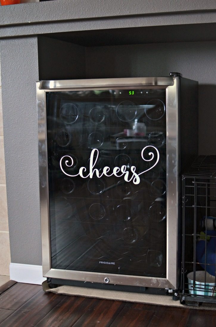 Cheers Wine Fridge Decal – A Silhouette Cameo Tutorial