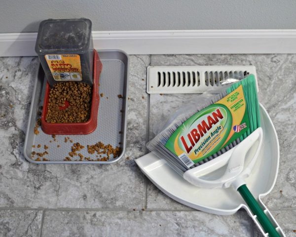 Life Hack – Containing Cat Food Messes