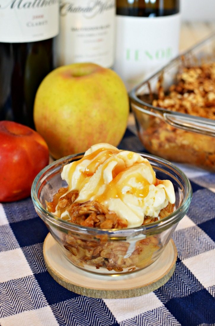 Delicious Washington Apple Crisp with wine pairings