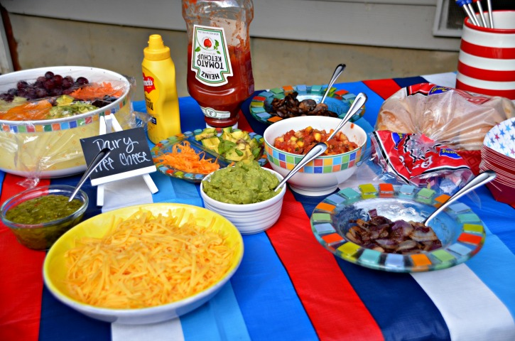 Jun 08,  · The Gourmet Hot Dog Bar is all about the toppings. In addition to the hot dog standards of relish, ketchup, and mustard, we also offered cheese, avocado, salsa, guacamole, sauteed mushrooms, and caramelized onions.