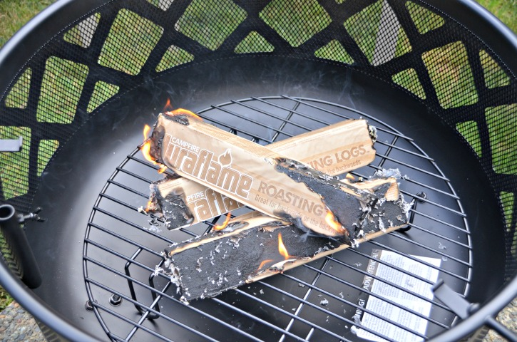 How To Host A Gourmet Hot Dog Bar At Your BBQ - Duraflame Roasting
