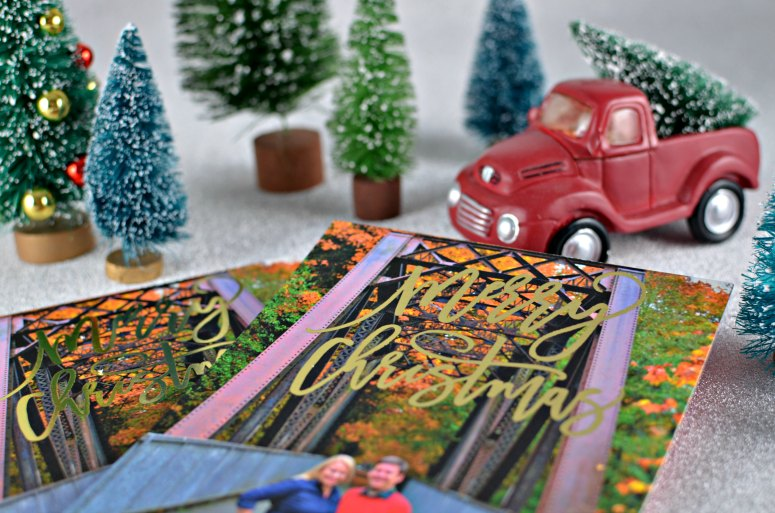 Tips for Stress-Free Holiday Cards from Minted