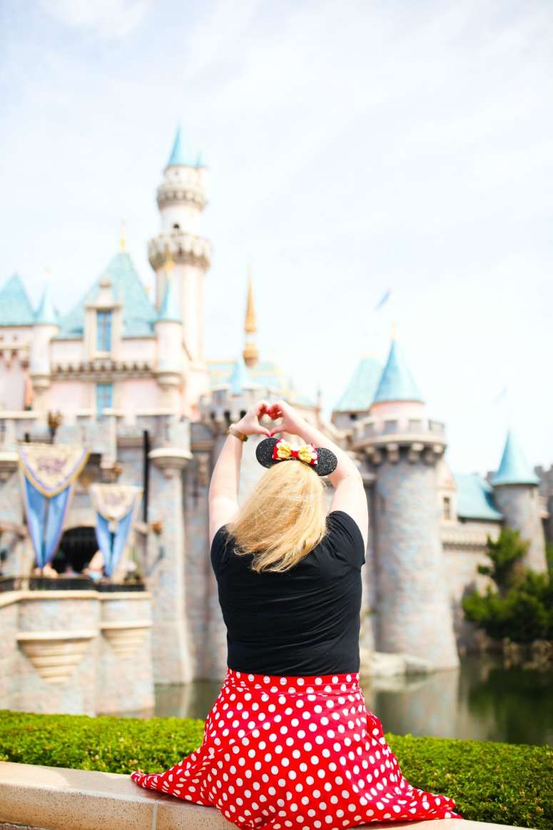 Best Photo Spots at Disneyland - Castle