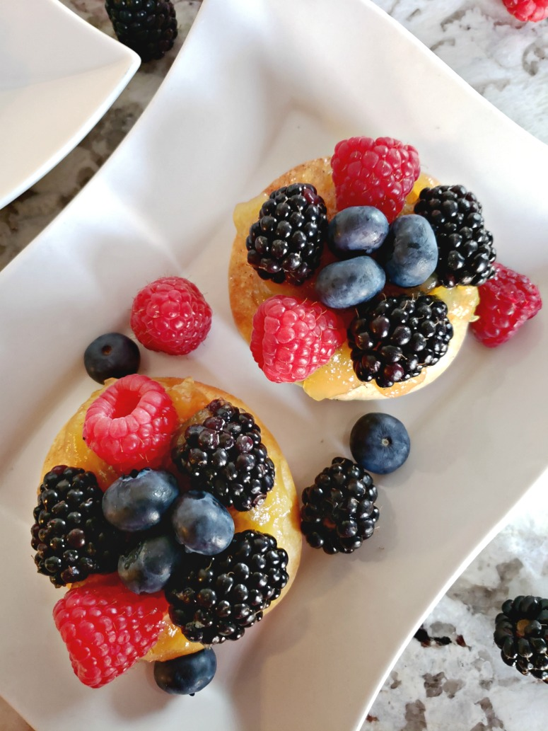 Grilled Dessert Fruit Pizza