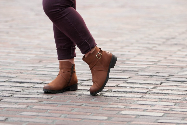 Fall Outfit with Maroon Jeans and Brown Blondo Booties