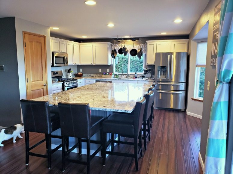Clear kitchen - How to Quickly Get Your House Ready to Sell