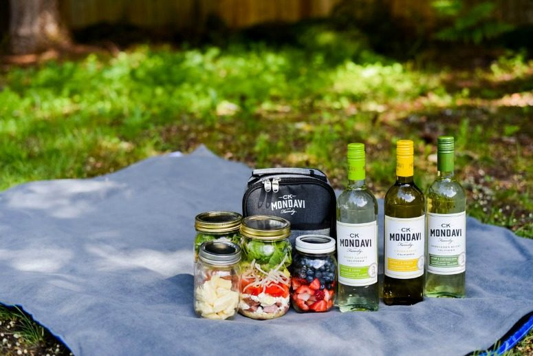 Jar Salads for a backyard picnic