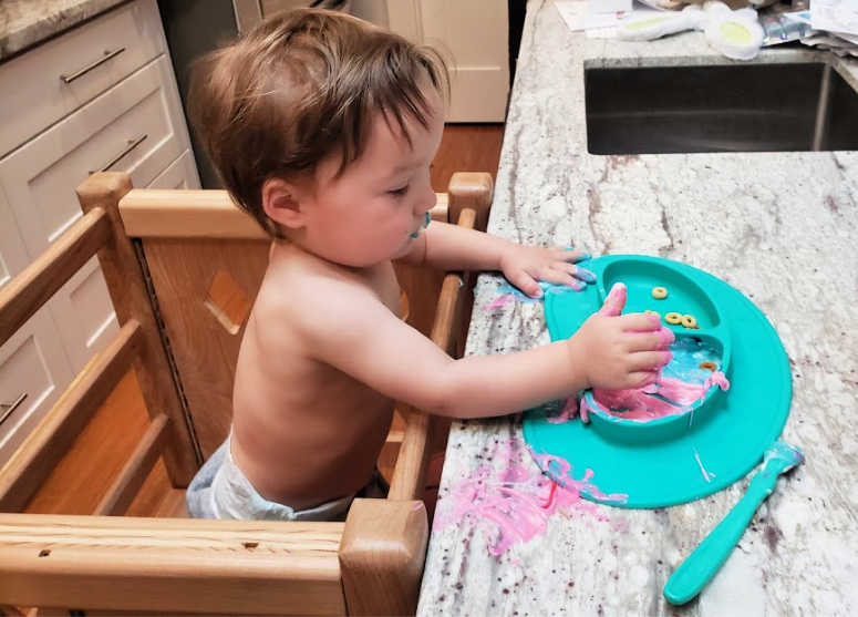Yogurt & Food Coloring - Baby Sensory Activities