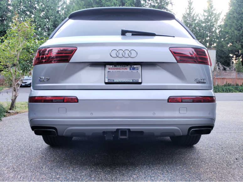 Factory Installed Tow Hitch - Audi Q7